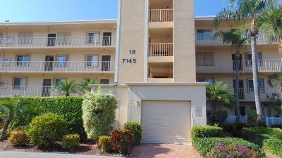 Delray Beach Condo For Sale: 7145 Huntington Lane #105