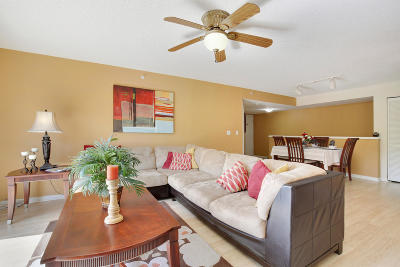 Royal Palm Beach Condo For Sale: 1000 Crestwood Court S #1016