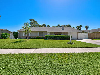 Jupiter Single Family Home For Sale: 705 Weldwood Road