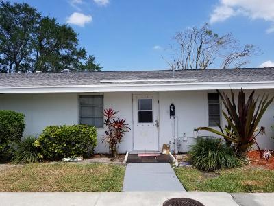 Royal Palm Beach Condo For Sale: 52 East Court