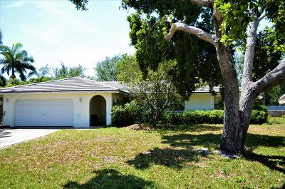 Delray Beach Single Family Home For Sale: 330 Ross Drive