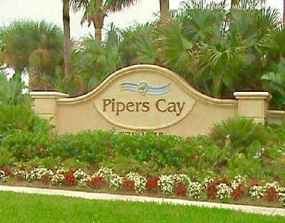 West Palm Beach Townhouse For Sale: 907 Pipers Cay Drive #54