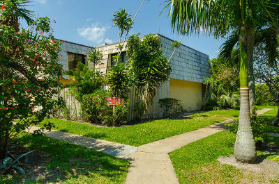 Lake Worth Townhouse For Sale: 2332 Waterside Drive
