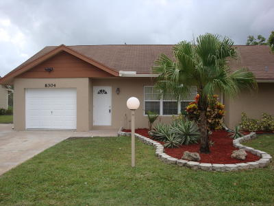 Lake Worth Single Family Home For Sale: 8304 Blue Cypress Drive
