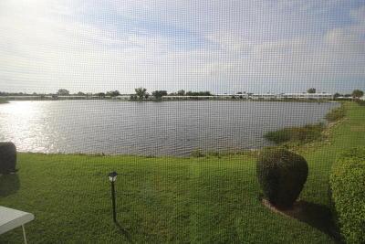 Boynton Beach Condo For Sale: 1116 Lake Terrace #209