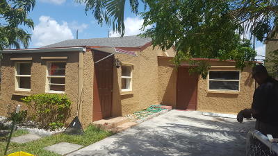 Lake Worth Single Family Home Contingent: 4407 Carver Street