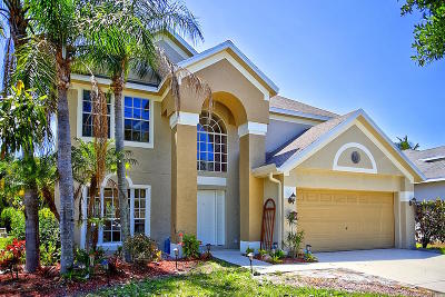 Martin County Single Family Home For Sale: 804 NW Waterlily Place