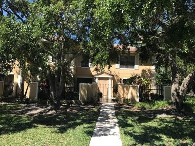 Palm Beach Gardens FL Townhouse For Sale: $259,900
