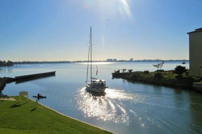 Fort Pierce Condo For Sale: 5 Harbour Isle Drive E #202