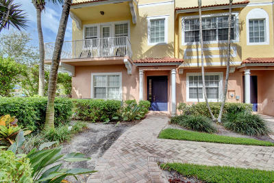 Boynton Beach Townhouse For Sale: 134 Harbors Way