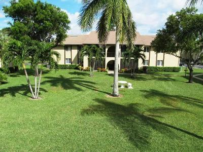 Greenacres Condo For Sale: 302 Pine Ridge Circle #B-2
