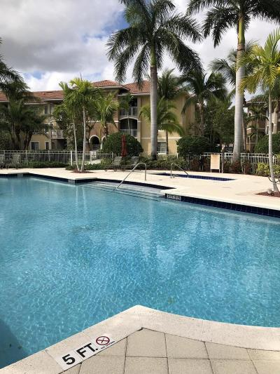 West Palm Beach Condo For Sale: 6559 Emerald Dunes Drive #307