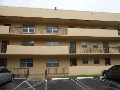 West Palm Beach Condo Sold: 1630 Embassy Drive #303