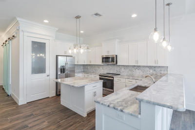 Stuart Single Family Home For Sale: 405 Coconut Avenue