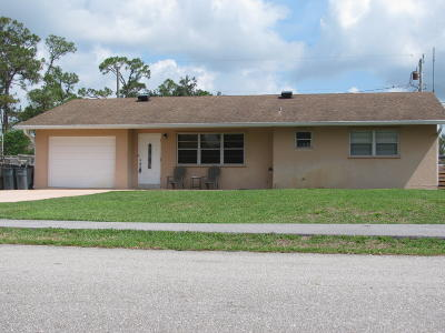 Lake Worth Single Family Home For Sale: 7471 Coconut Drive