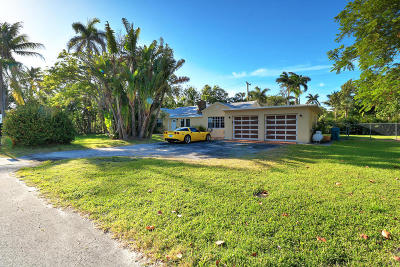 Boynton Beach Single Family Home For Sale: 617 Lakeside Harbour
