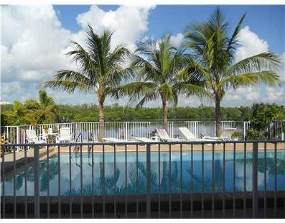 Ocean Ridge Condo For Sale: 6520 Ocean Boulevard #8