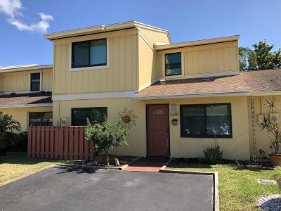 Delray Beach FL Townhouse For Sale: $241,000