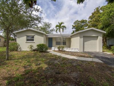 West Palm Beach Single Family Home For Sale: 1820 Oakmont Drive