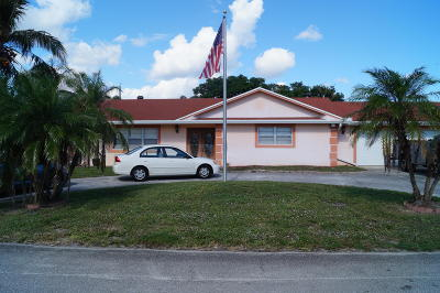 Lake Worth Single Family Home For Sale: 3059 Emerald Lane