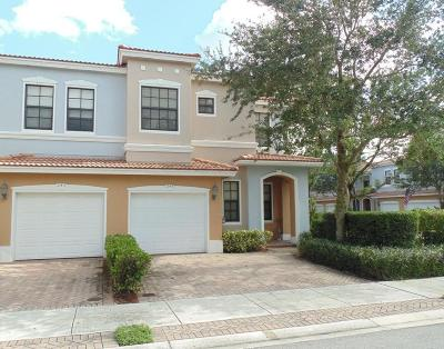 Delray Beach Townhouse For Sale: 247 W Chrystie Circle