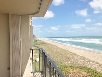 Jensen Beach Condo For Sale: 10310 S Ocean Drive #410