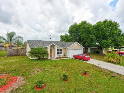 Port Saint Lucie Single Family Home For Sale: 272 SW N Quick Circle