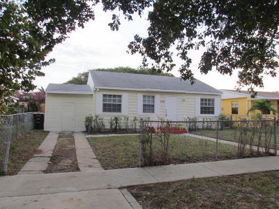 West Palm Beach Multi Family Home For Sale: 828 Summit Boulevard