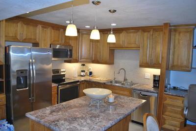 Lake Worth Condo For Sale: 1502 S Lakeside Drive #105