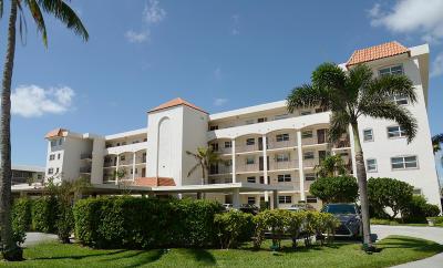 North Palm Beach Condo For Sale: 29 Yacht Club Drive #104