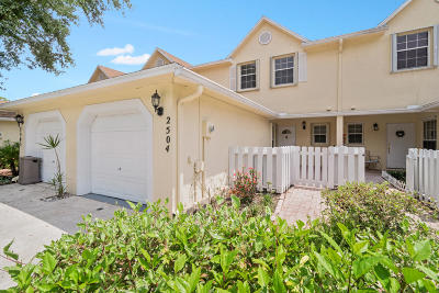 Greenacres FL Townhouse For Sale: $225,000