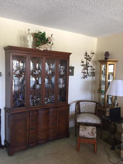 West Palm Beach Condo For Sale: 100 Canterbury D