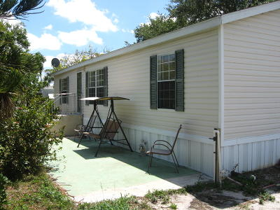 Jensen Beach Single Family Home For Sale: 1320 NE Olive Street