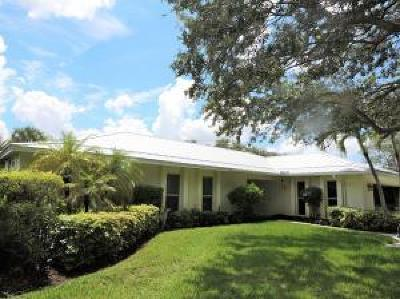 Tequesta Single Family Home For Sale: 257 Country Club Drive
