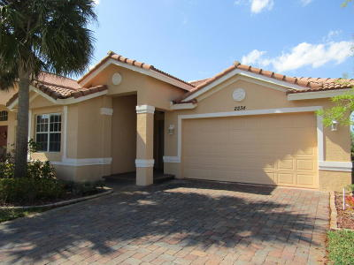 Port Saint Lucie Single Family Home For Sale: 2234 SW Newport Isles Boulevard