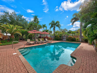 Lake Worth Multi Family Home For Sale: 128 L Street