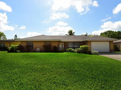 Royal Palm Beach Single Family Home Contingent: 106 Swan Parkway W