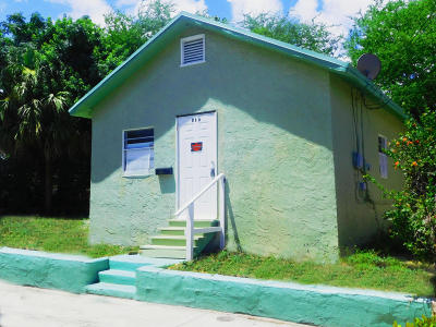West Palm Beach Single Family Home For Sale: 615 Sapodilla Avenue