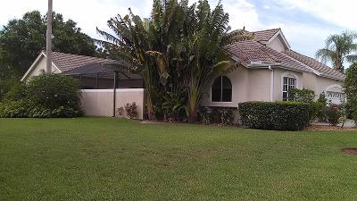 St Lucie County Single Family Home Contingent: 631 SW Lake Charles Circle