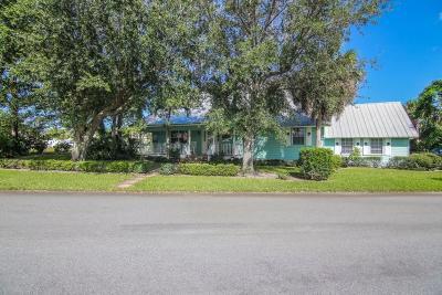 Stuart Single Family Home For Sale: 120 SE Lonita Street