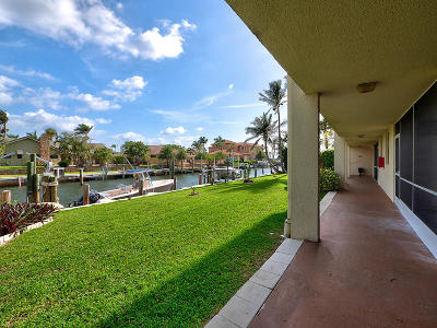 North Palm Beach Condo For Sale: 109 Paradise Harbour Boulevard #112