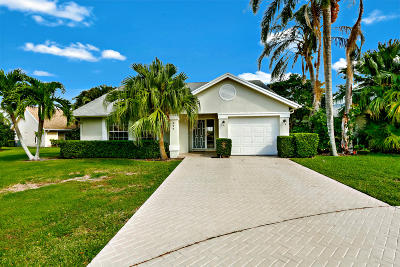 Jupiter Single Family Home For Sale: 277 Moccasin Trail W