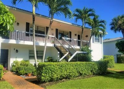 Boynton Beach Condo For Sale: 29 Stratford Lane #F