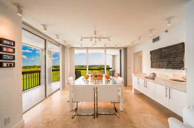 West Palm Beach Condo For Sale: 1900 Consulate Place #606