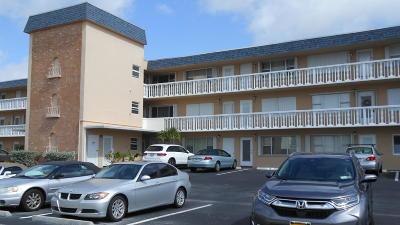 North Palm Beach Condo Contingent: 131 Doolen Court #207