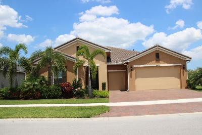 Port Saint Lucie Single Family Home For Sale: 9870 SW Carrotwood Circle