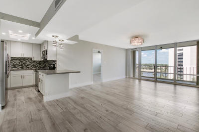 North Palm Beach Condo For Sale: 336 Golfview Road #814