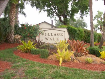 Royal Palm Beach Single Family Home For Sale: 118 Village Walk Drive #10