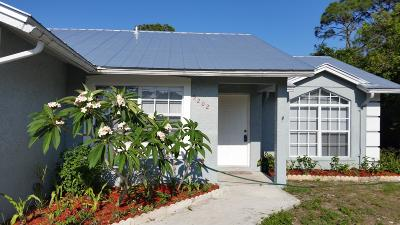 Fort Pierce Single Family Home For Sale: 5202 Hickory Drive
