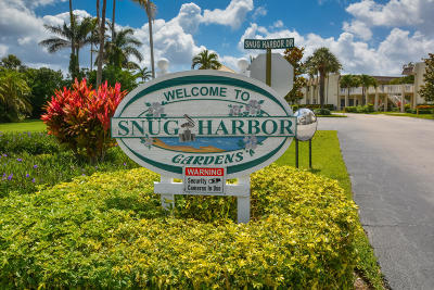 Boynton Beach Condo For Sale: 624 Snug Harbor Drive #B11